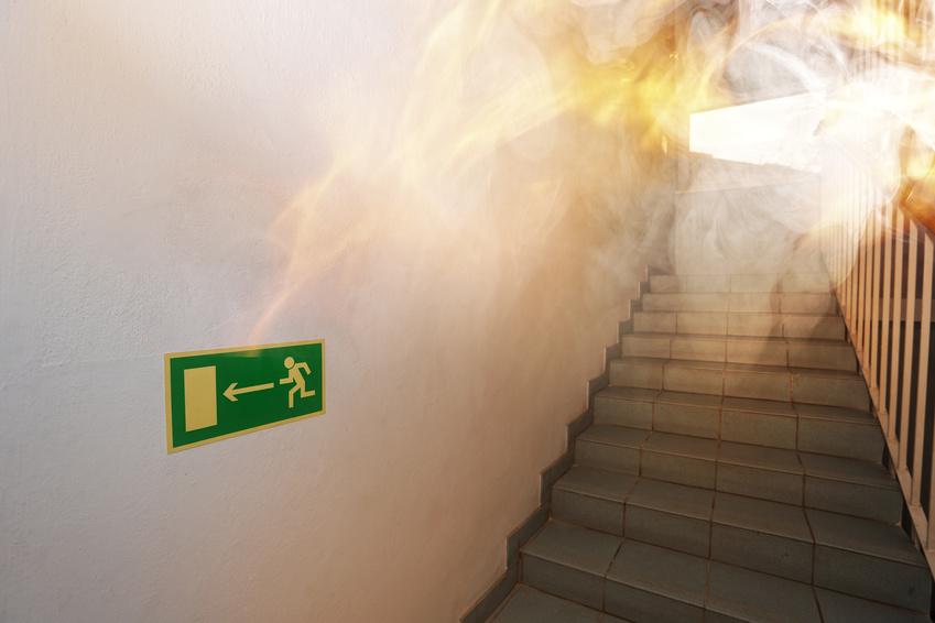 Pożar w budynku - próbna ewakuacja budynku