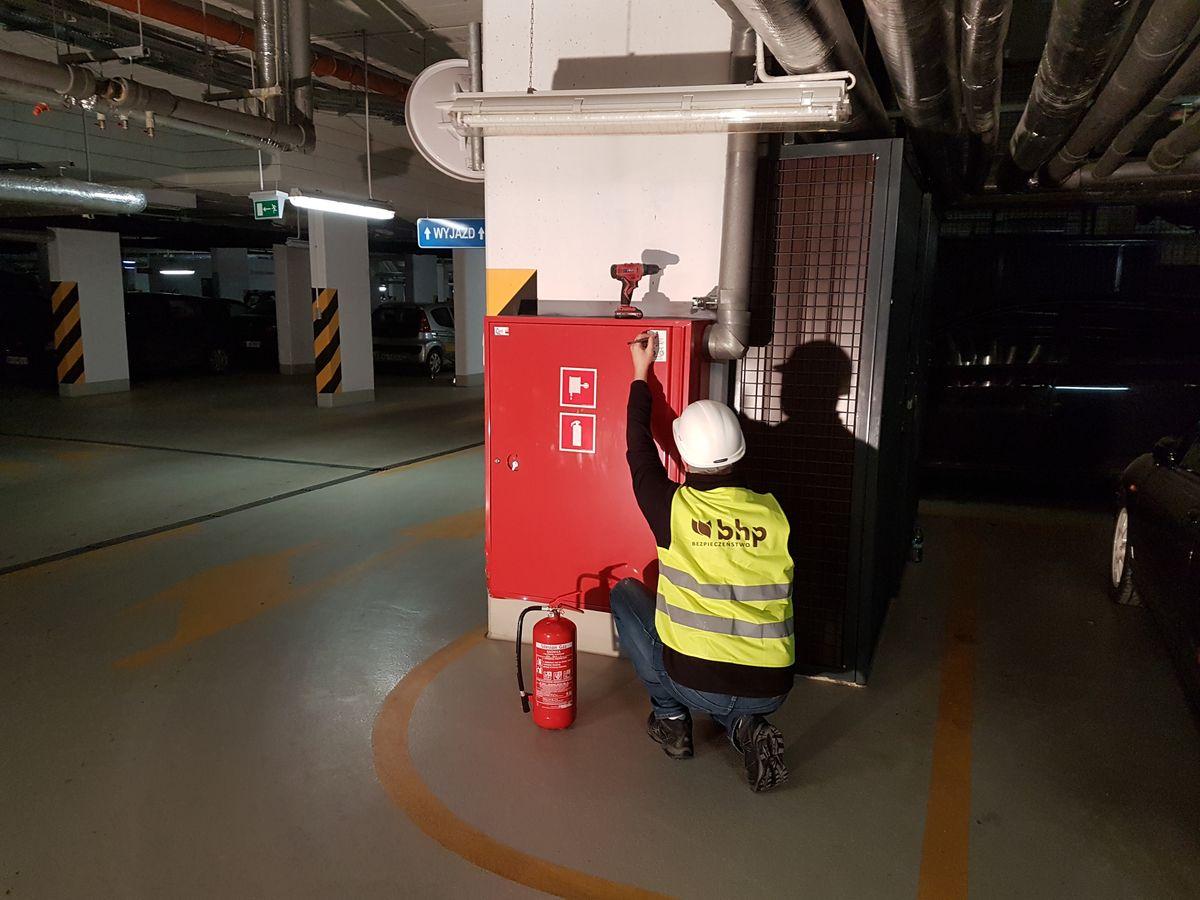Badanie hydrantów przeciwpożarowych